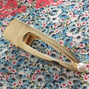 Handmade natural pearl hair pin